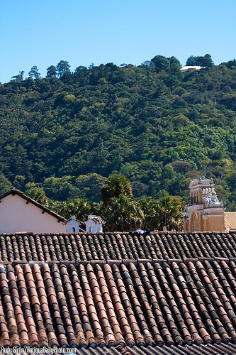 Santo Domingo Del Cerro by  Rudy Girón
