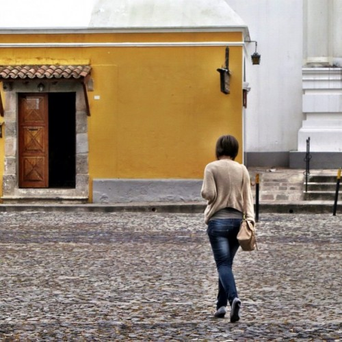 High Heels Walking and CobbleStone Streets Don't Mix by Rudy Giron