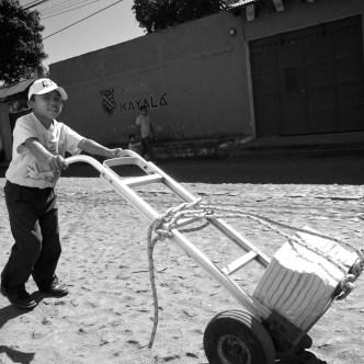 Child Labor in Guatemala by Rudy Giron - www.rudygiron.com