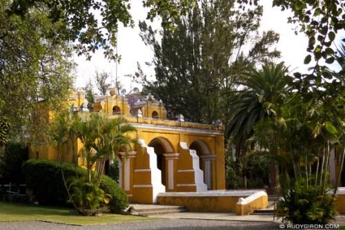 Rudy Giron: AntiguaDailyPhoto.com &emdash; The three arches of the entrance of El Calvario