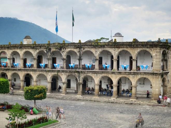 Rudy Giron: AntiguaDailyPhoto.com &emdash; Palacio Municipal de Antigua Guatemala