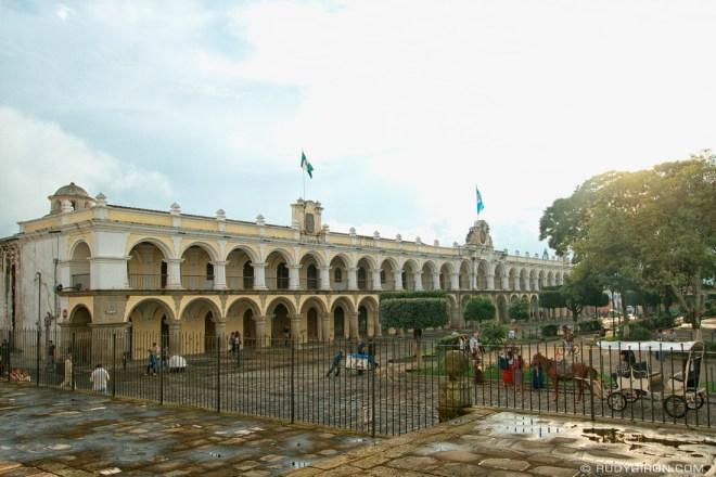 Rudy Giron: AntiguaDailyPhoto.com &emdash; Antigua Guatemala Palacio de los Capitanes