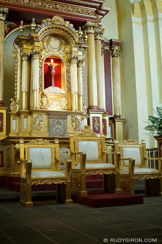 Rudy Giron: AntiguaDailyPhoto.com &emdash; Antigua Guatemala Cathedral Altar Detail
