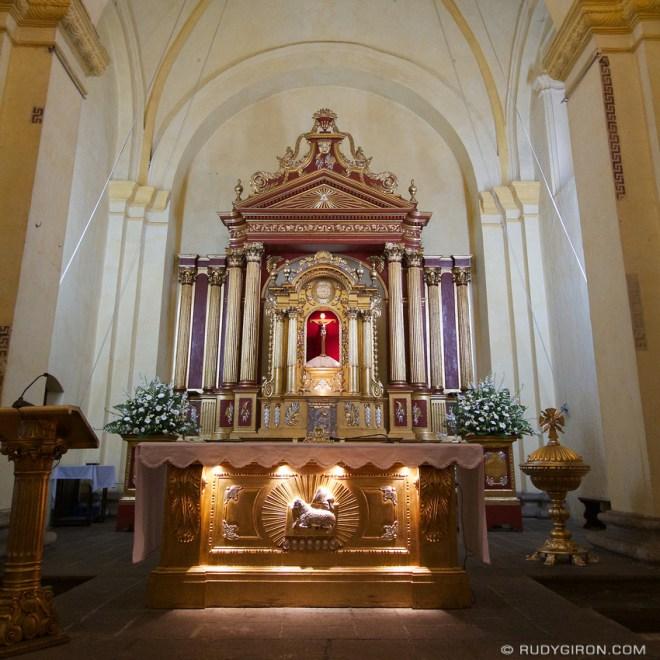 Rudy Giron: AntiguaDailyPhoto.com &emdash; Antigua Guatemala Cathedral Altar 2