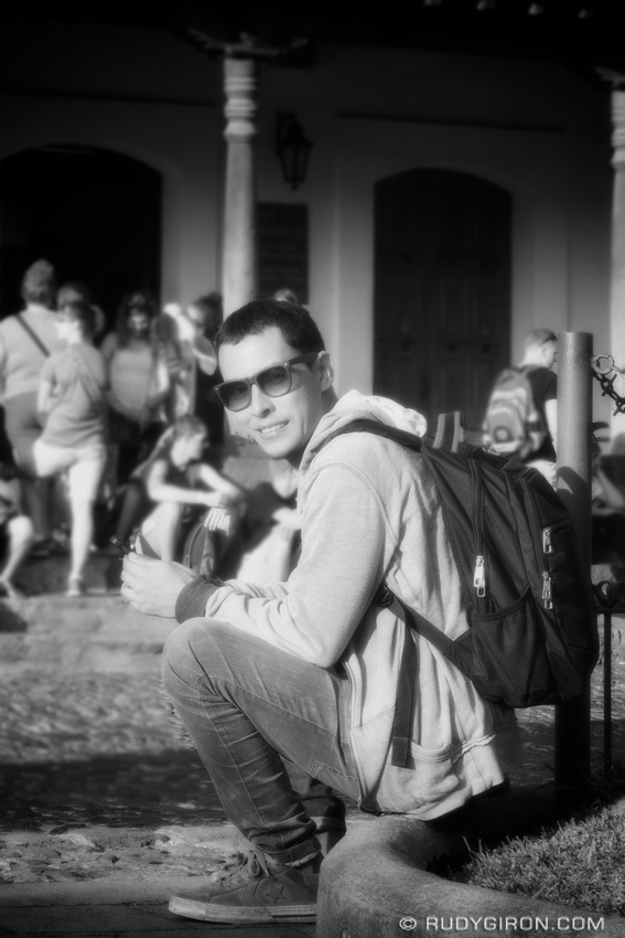Rudy Giron: AntiguaDailyPhoto.com &emdash; Portrait of Guatemalan Contemporary Artist Eny Roland