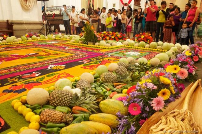 Rudy Giron: Antigua Guatemala &emdash; Holy Week Vistas: Shrines and Photographers © Rudy Giron