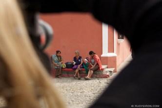 Capturing daily life photographs in Antigua Guatemala © Rudy Giron