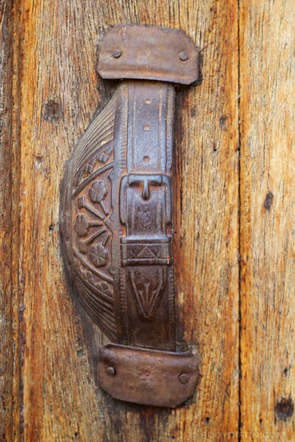 Rudy Giron: Antigua Guatemala &emdash; Antigua Style Door Knob
