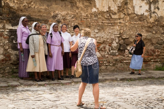 Rudy Giron: Antigua Guatemala &emdash; Photographing Strangers on the streets of Antigua Guatemala