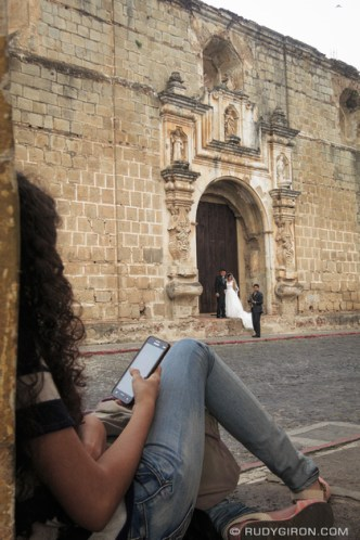 Street Wedding Photography in Antigua Guatemala by Rudy Giron