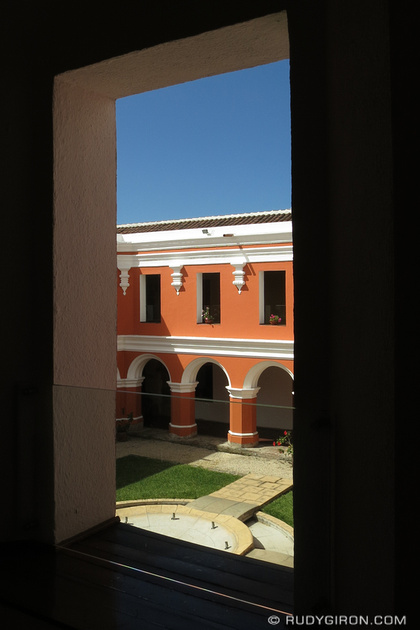 Rudy Giron: Antigua Guatemala &emdash; Architecture of Antigua Guatemala — Windows and Arches