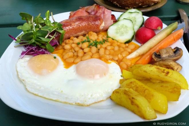 Rudy Giron: Antigua Guatemala &emdash; English breakfast at Caoba Farms