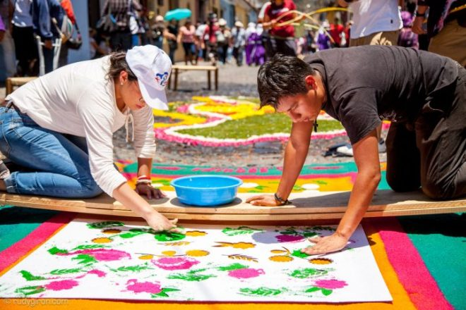 Making Processional Carpets in Antigua Guatemala BY RUDY GIRON