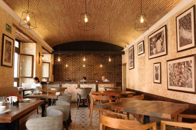new-look-for-an-old-coffee-shop-640x425-3813024