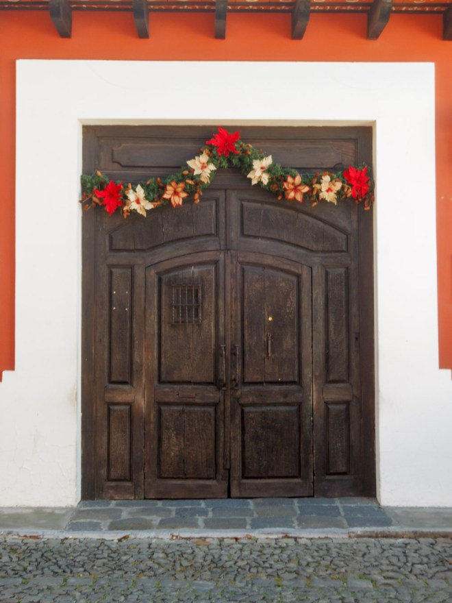 christmas-decorations-in-antigua-guatemala