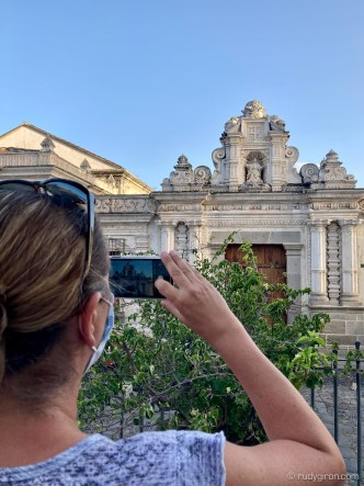 Explore the most instagrammable spots of Antigua Guatemala with RUDY GIRON