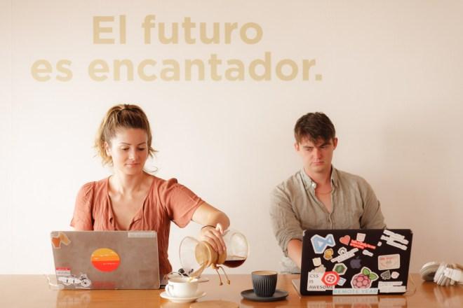 Antigua Daily Photo — El futuro es encantador by RUDY GIRON