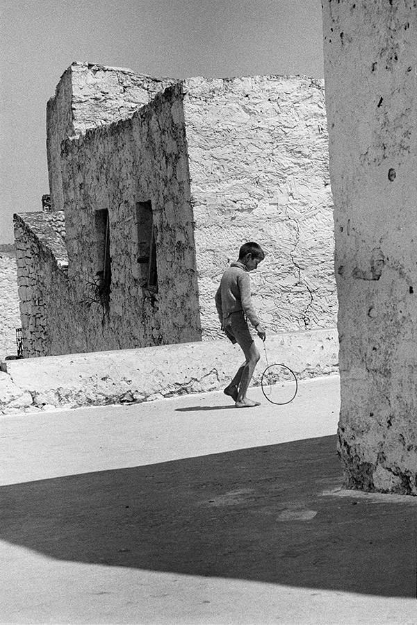 Αγόρι με τσέρκι, Κρήτη, δεκαετία 1960