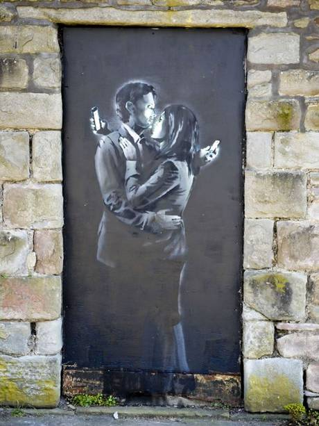 Mobile Lovers - Banksy