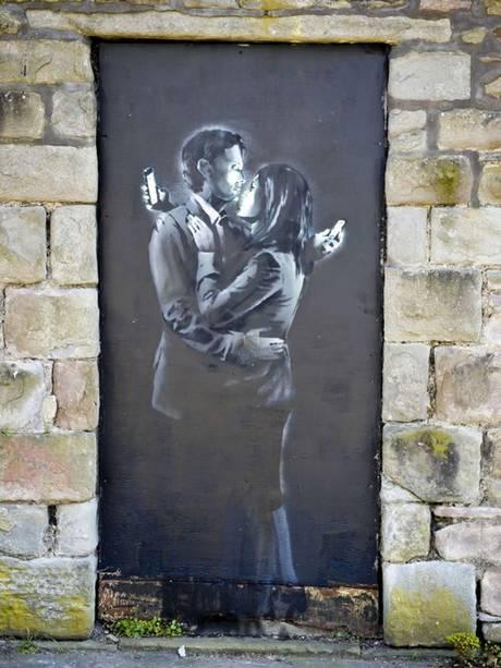 Mobile Lovers - Banksy