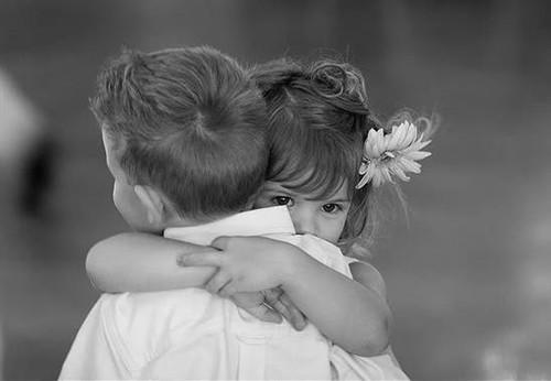 children-hugging
