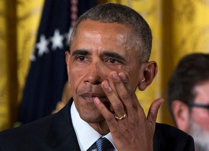 ΗΠΑ: Τα δάκρυα του Μπάρακ Ομπάμα 5/1 (AP Photo/Carolyn Kaster, File)