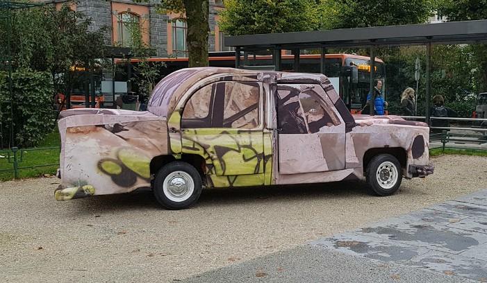 Migrant car