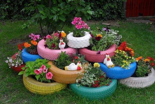 استغلي إطارات السيارات لإطلالة ريفية خلابة في حديقة منزلك