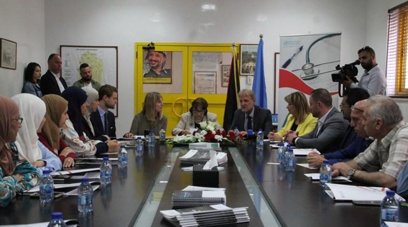 وزيرة الصحة: ملتزمون بتطوير وتحسين صحة الأم والطفل في فلسطين