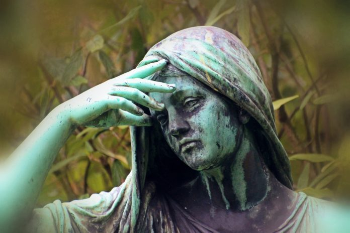 woman-statue-despair