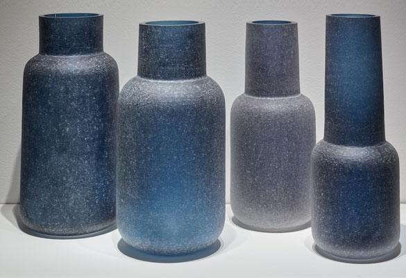 Martin-Hlubucek-ensemble-vases-verre-givre-bleu