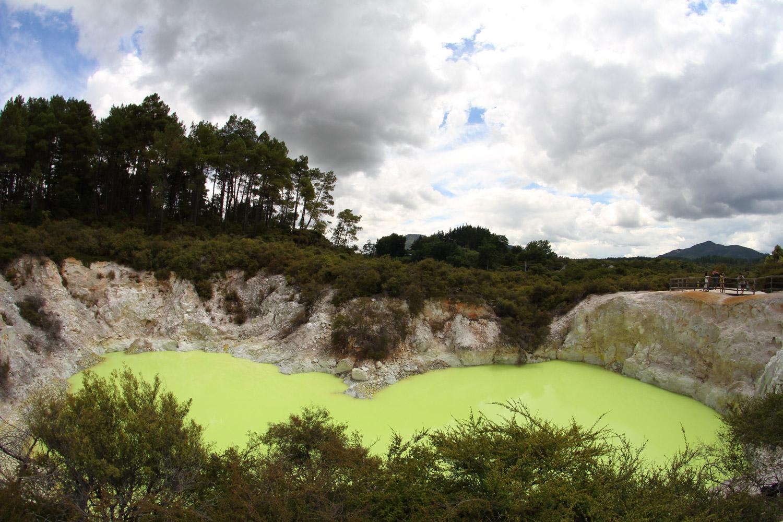 Un bassin de soufre et d'arsenic