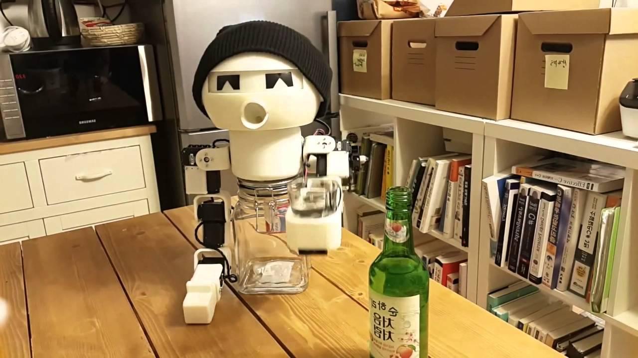 Мир покорил робот-собутыльник, сделанный в Корее