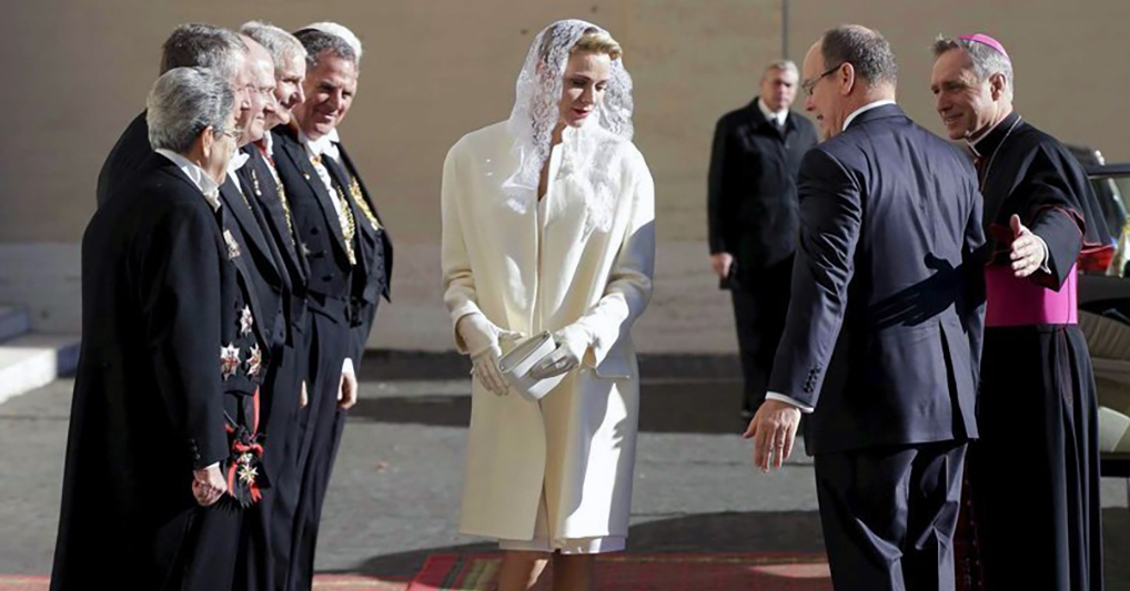 В мире осталось лишь семь женщин, которым дозволено носить белые одеяния в присутствии Папы Римского