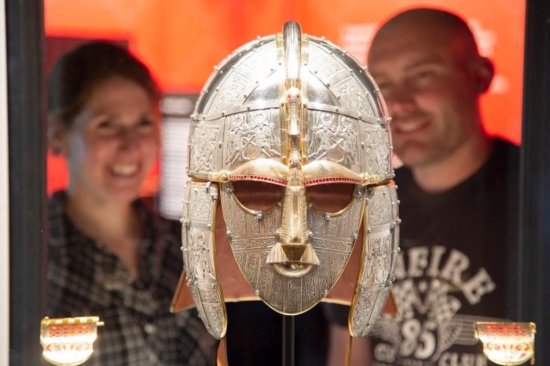 Sutton Hoo replica King's helmet and shoulder clasps ©Phil Morley)