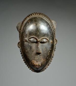 Baule (Baoulé) mask, Ivory Coast, 25 x 16 cm, Late 19th / Early 20th Century (David Malík)