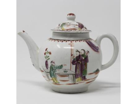 Lowestoft porcelain teapot