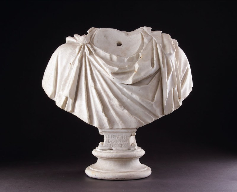 Ancient Roman marble shoulders