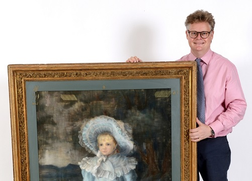 Martin Miller Antiques auctioneer Richard Bromell with pastel picture2
