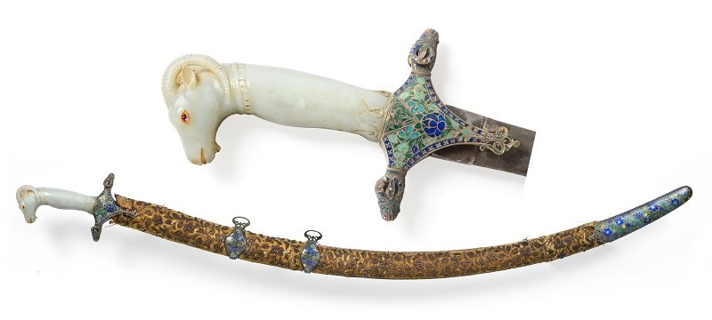 Indian sword makes thousands in sale