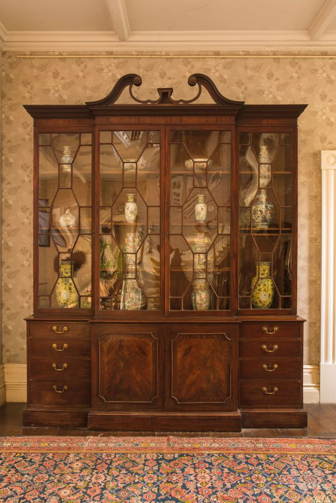 George III Chippendale style mahogany breakfront bookcase in Moigne Combe sale