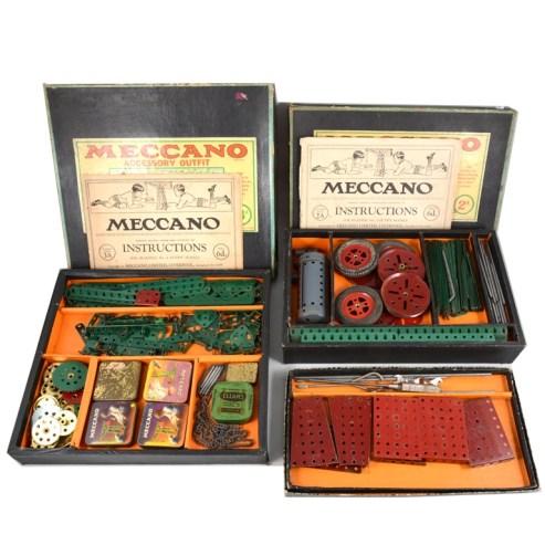 A vintage Meccano traction engine set