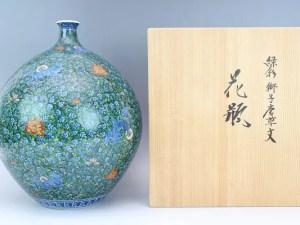 村上玄輝「緑彩獅子唐草文花瓶」