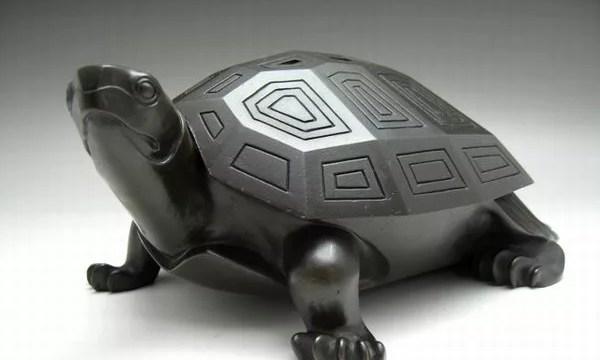 津田信夫作 銅製亀型香炉