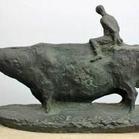 古賀忠雄作 牛のブロンズ像