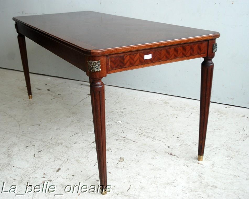 FINE & ELEGANT FRENCH LXVI DINING TABLE. SMALL SIZE!!! For
