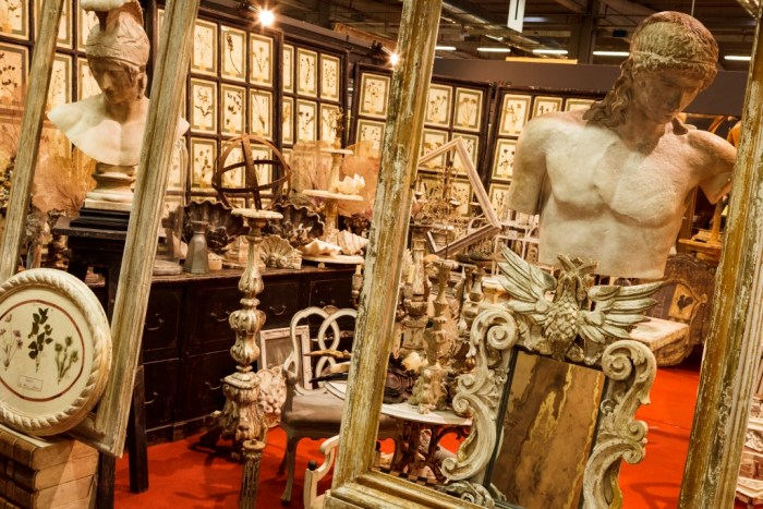 sourcing antiques in Italy with The Antiques Diva