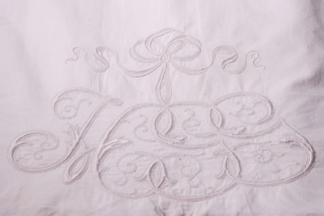 Pandora de Balthazár Embroidered Trousseau Shams
