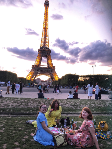 Paris picnic under the Eiffel Tower
