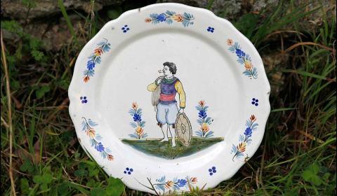 Faïence française: compotier décor artistique HB 19e siècle